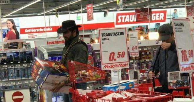 Red Dead Redemption: General - This dude went out in style to pick up RDR2 image 2