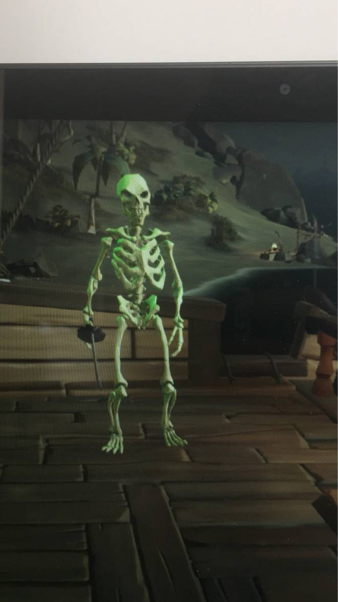 Sea of Thieves: General - My boi respawned as an skeleton  image 1