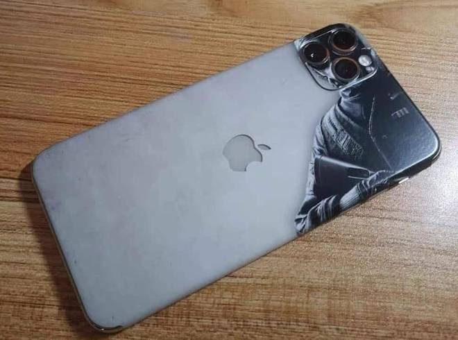 Rainbow Six: Memes - The best iPhone case. Fookin leser ... Who know the ending?!?! image 1
