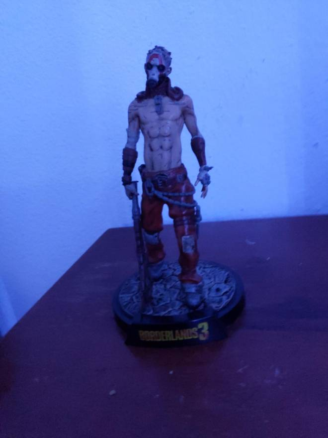 Borderlands: General - I'm trying to find a zero mini fig to buy to add to the collection image 2