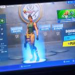 Anyone else get this glitch happens every time I open fortnite 🤔