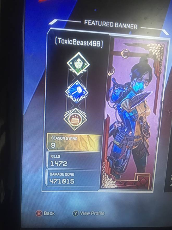 Apex Legends: General - Looking for 2 people to play some apex Xbox  image 1
