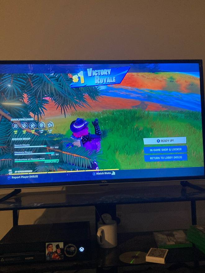 Fortnite: Looking for Group - Not be toxic and I'm sorta trash only like 6 wins over all image 3