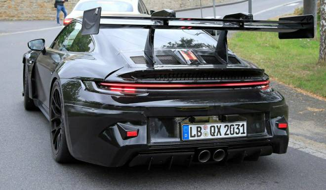 Off Topic: General - The brand new T H I C C Porsche 911 992 GT3! (Car news) image 3