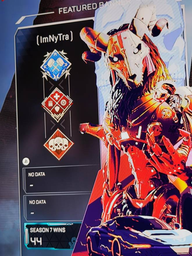Apex Legends: Looking for Group - LF a good club, with good mates. My banner is below. I have 4 KDr.  image 3