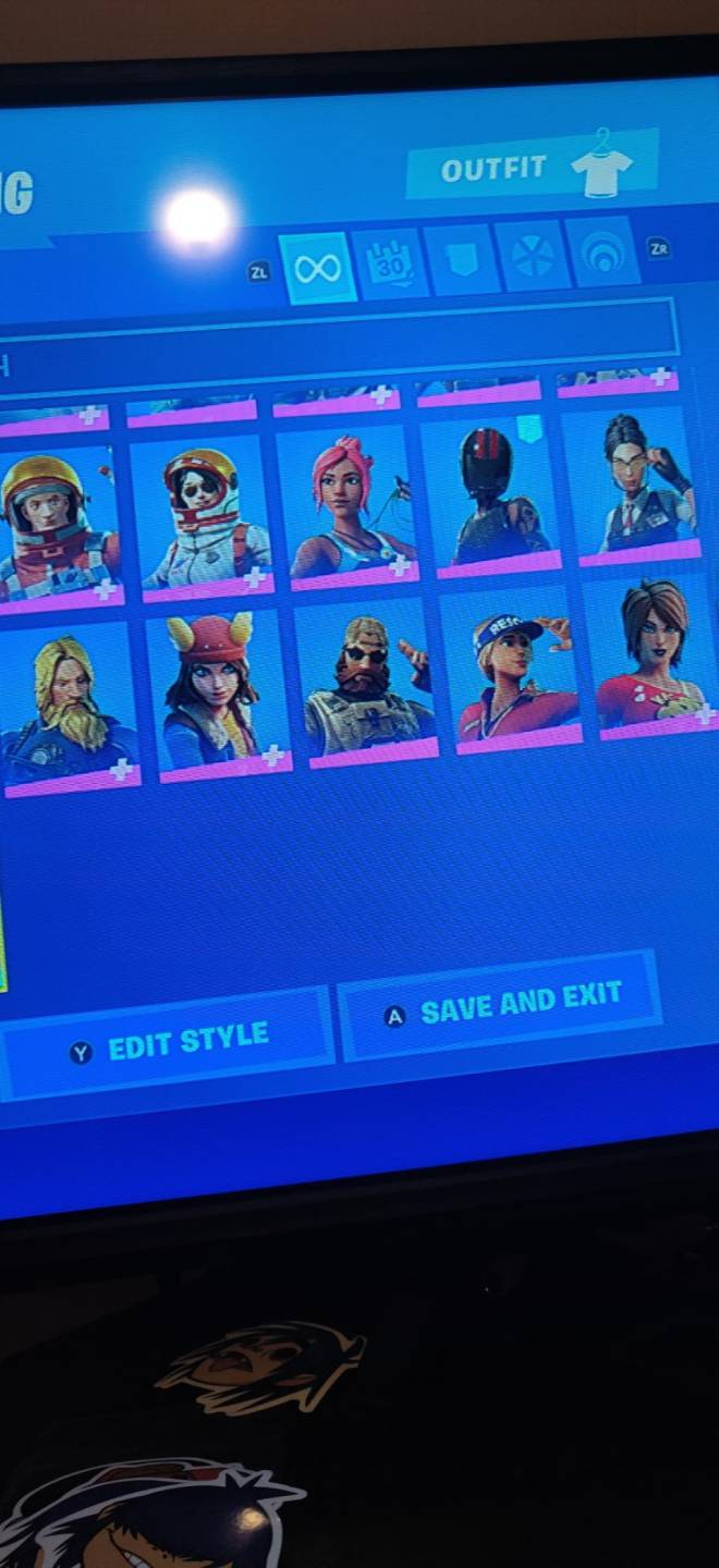 Fortnite: Battle Royale - If any one wants to join my clan just dm me image 4