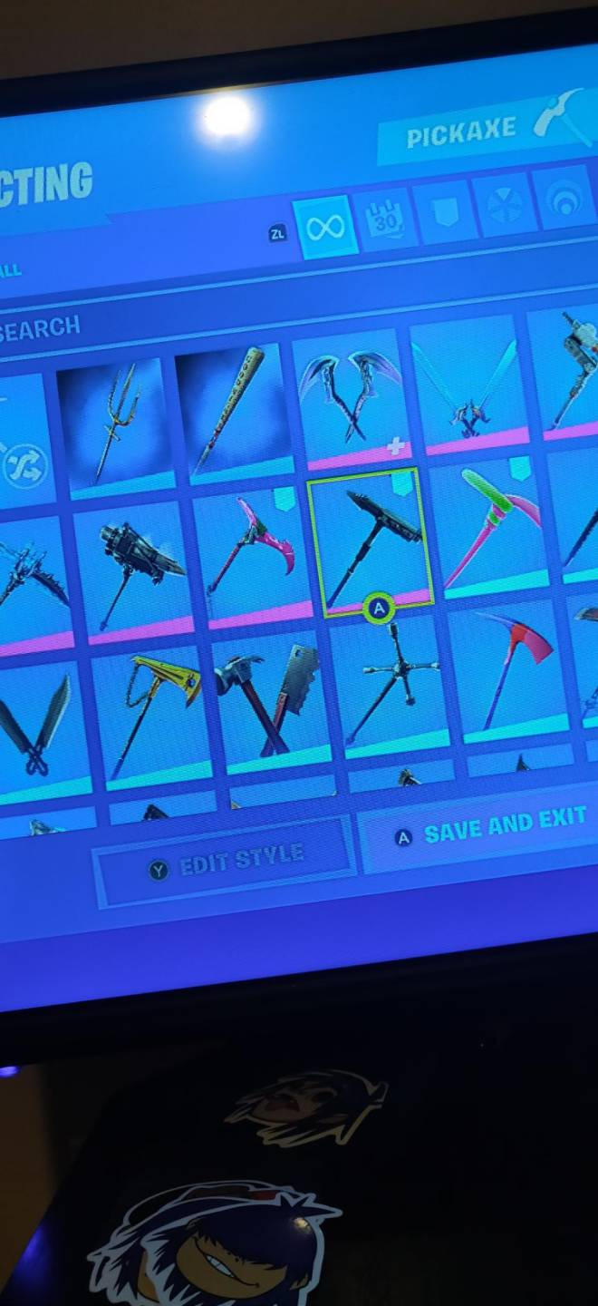 Fortnite: Battle Royale - If any one wants to join my clan just dm me image 9