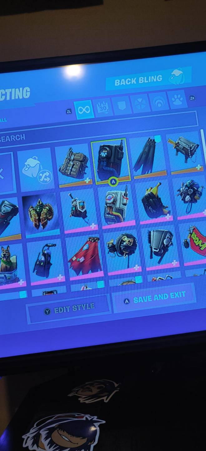 Fortnite: Battle Royale - If any one wants to join my clan just dm me image 5