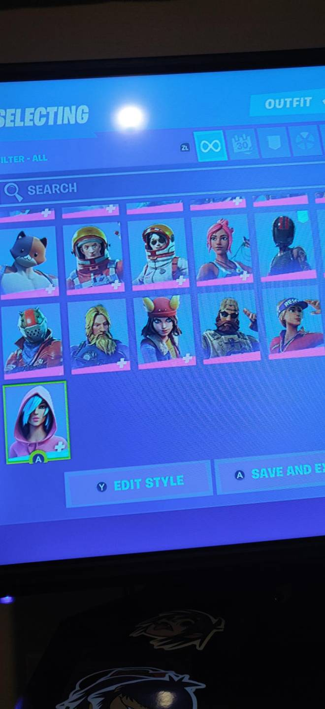 Fortnite: Battle Royale - If any one wants to join my clan just dm me image 3