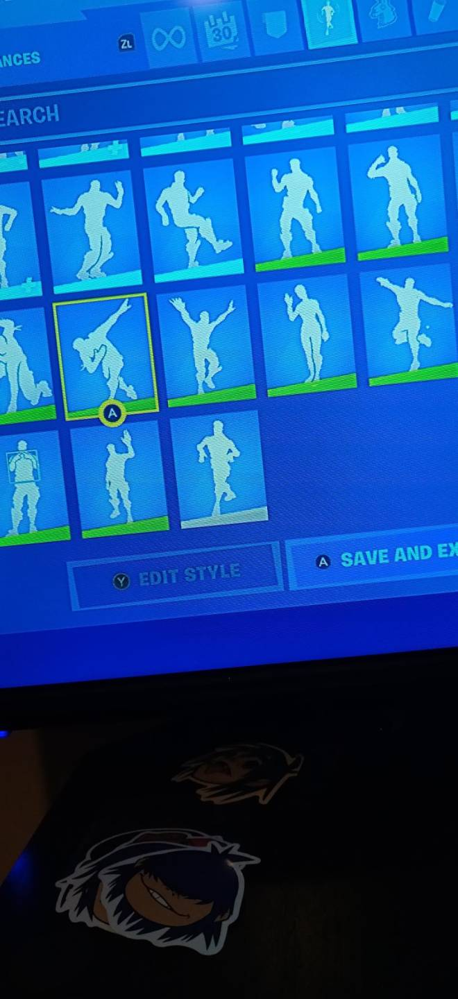 Fortnite: Battle Royale - If any one wants to join my clan just dm me image 10